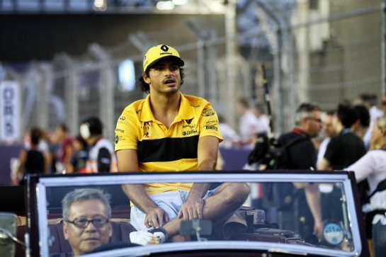 Carlos Sainz Jr (ESP) Renault Sport F1 Team on the drivers parade. 16.09.2018. Formula 1 World Championship, Rd 15, Singapore Grand Prix, Marina Bay Street Circuit, Singapore, Race Day. - www.xpbimages.com, EMail: requests@xpbimages.com - copy of publication required for printed pictures. Every used picture is fee-liable. © Copyright: Batchelor / XPB Images