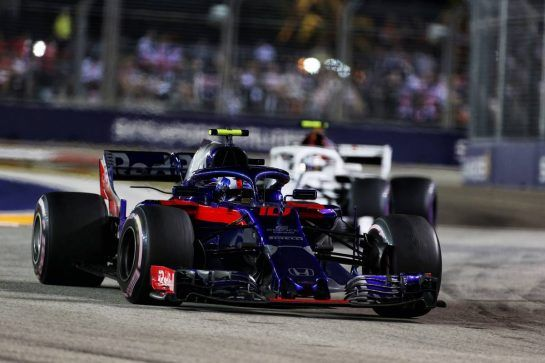 Pierre Gasly (FRA) Scuderia Toro Rosso STR13. 16.09.2018. Formula 1 World Championship, Rd 15, Singapore Grand Prix, Marina Bay Street Circuit, Singapore, Race Day. - www.xpbimages.com, EMail: requests@xpbimages.com - copy of publication required for printed pictures. Every used picture is fee-liable. © Copyright: Charniaux / XPB Images