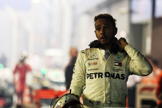 Race winner Lewis Hamilton (GBR) Mercedes AMG F1 in parc ferme. 16.09.2018. Formula 1 World Championship, Rd 15, Singapore Grand Prix, Marina Bay Street Circuit, Singapore, Race Day. - www.xpbimages.com, EMail: requests@xpbimages.com - copy of publication required for printed pictures. Every used picture is fee-liable. © Copyright: Charniaux / XPB Images