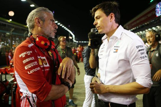 Maurizio Arrivabene (ITA) Ferrari Team Principal and Toto Wolff (GER) Mercedes AMG F1 Shareholder and Executive Director. 16.09.2018. Formula 1 World Championship, Rd 15, Singapore Grand Prix, Marina Bay Street Circuit, Singapore, Race Day. - www.xpbimages.com, EMail: requests@xpbimages.com - copy of publication required for printed pictures. Every used picture is fee-liable. © Copyright: Batchelor / XPB Images