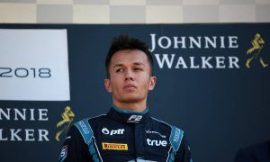 Albon's path to Toro Rosso not yet cleared by Nissan