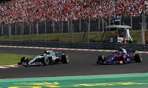 Hamilton troubled by speed difference between F1's cars
