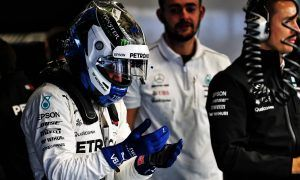 Bottas told to 'go for it', but Mercedes could enforce team orders
