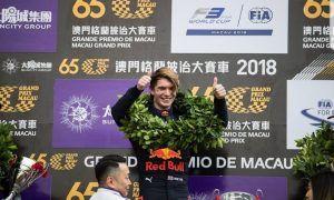 Ticktum wins in Macau following huge accident for Floersch