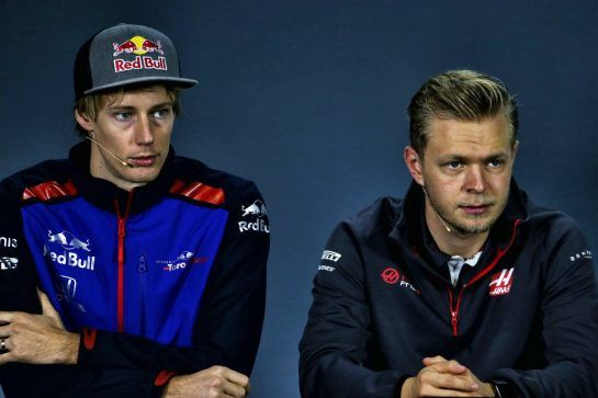 (L to R): Brendon Hartley (NZL) Scuderia Toro Rosso with Kevin Magnussen (DEN) Haas F1 Team in the FIA Press Conference. 08.11.2018. Formula 1 World Championship, Rd 20, Brazilian Grand Prix, Sao Paulo, Brazil, Preparation Day. - www.xpbimages.com, EMail: requests@xpbimages.com - copy of publication required for printed pictures. Every used picture is fee-liable. © Copyright: Moy / XPB Images