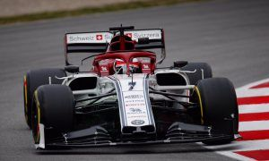 Raikkonen pops to the top in Day 3 morning session!