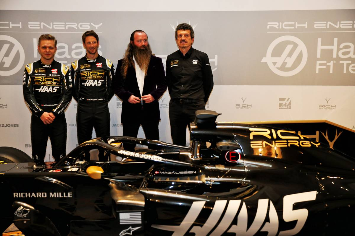 Haas changes F1 car from gray to black-and-gold for 2019