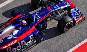 Toro Rosso's Albon follows Kvyat's lead - tops final morning session!