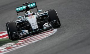 Hamilton suffers repeat of Rosberg issues