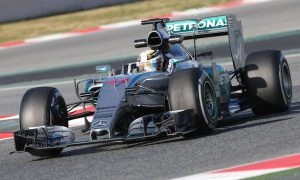 Hamilton sets pace at start of final test