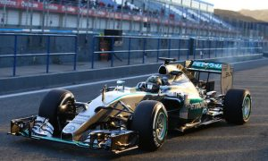 Rosberg plays down Mercedes' lap count