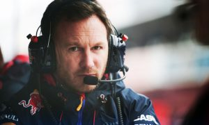 Horner urges FIA to rein Mercedes in