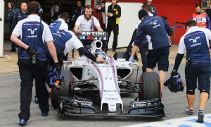 Williams 'going to have a scrap' with Ferrari