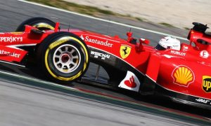 Vettel expects fight behind Mercedes