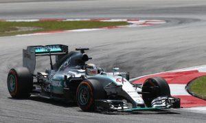 'Ferrari look great!' - Hamilton