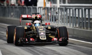 Grosjean hit by two place grid penalty