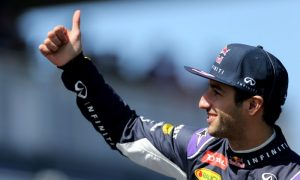 Ricciardo's boring ride down Shanghai's long straight