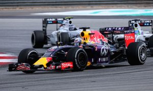 Red Bull reverts to 2014 brakes