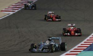Hamilton hangs on despite late Raikkonen charge