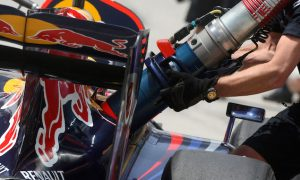 Teams cast doubt over refueling return