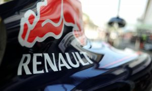 Red Bull may be mulling shock split with Renault