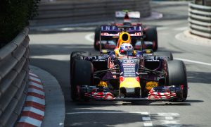 Ricciardo scared by Ferrari engine updates