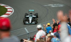 Rosberg quickest as red flags interrupt FP3
