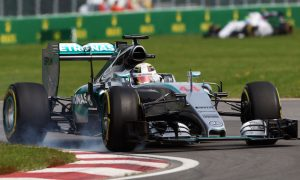 Hamilton crashes after setting fastest time