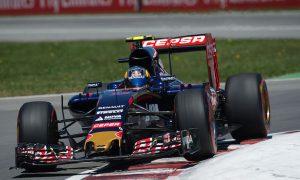 Sainz backs Nasr after 'rookie mistake'