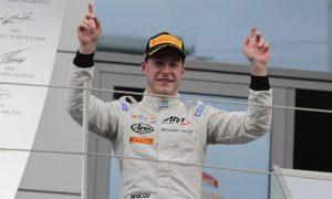 Vandoorne in 'regular talks' with McLaren over future