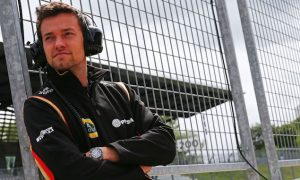 Palmer yet to chase 2016 race seat