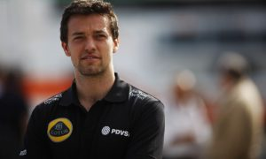 Palmer hangs on to Lotus race seat chance for 2016