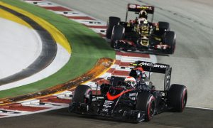 Button slams 'very strange' Maldonado driving