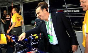 Renault boss critical of Red Bull attitude