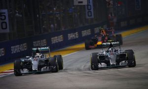 Mercedes explains Hamilton's Singapore failure