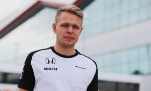 Magnussen should get F1 drive in 2016 – Boullier