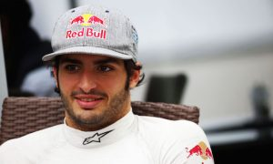 Sainz airlifted to hospital after FP3 crash
