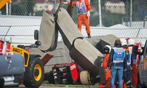F1 'dodged a bullet' with Sainz crash - Smedley