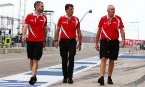 Mercedes 'curious spectators' regarding Manor resignations