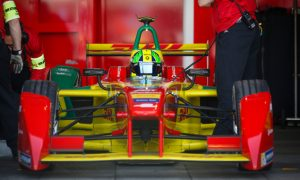Di Grassi beats Vergne to win Paris ePrix