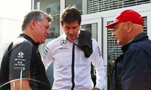 Lauda denies rumors of quitting Mercedes