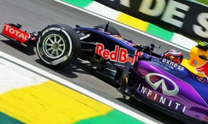 Kvyat caught out by Force India 'undercut' pit call