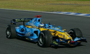 Renault boss gives three-year timeframe to win