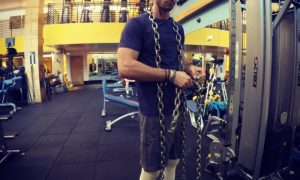 Rossi in chains
