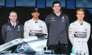 Wolff considers 'unleashing' Hamilton and Rosberg
