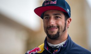 Ricciardo in no hurry to address 2017 contract