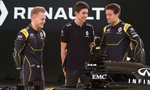 Palmer warns of difficult first season for Renault