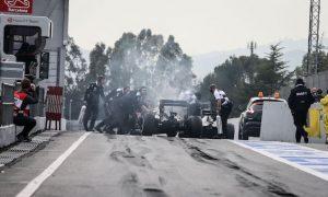 Hydraulic leak curtails McLaren's running on day three