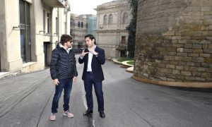 Alonso checks out new Baku circuit