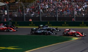 Rosberg apologises to Hamilton over first corner battle